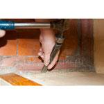 удаляем бетонный порог в ванной
