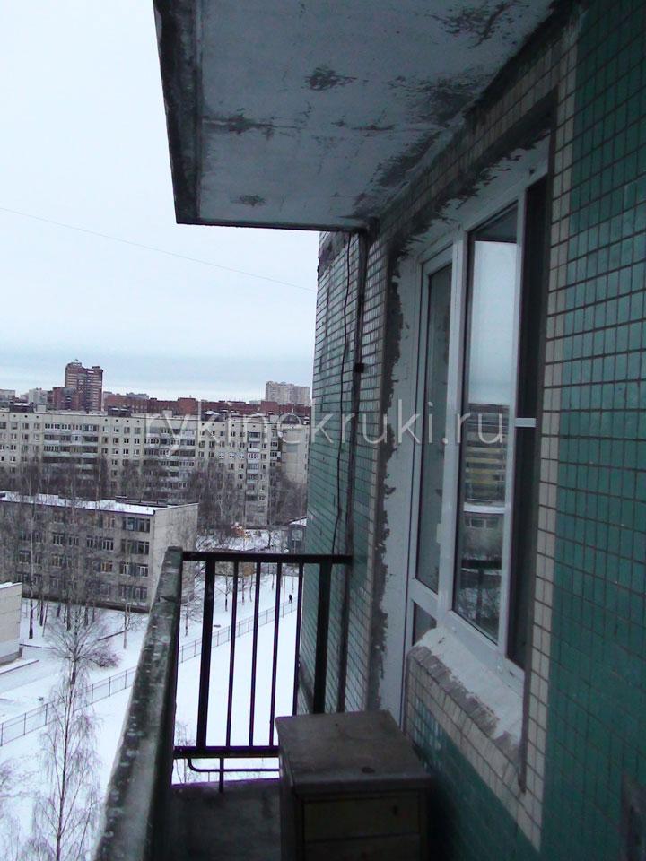 неостекленный балкон