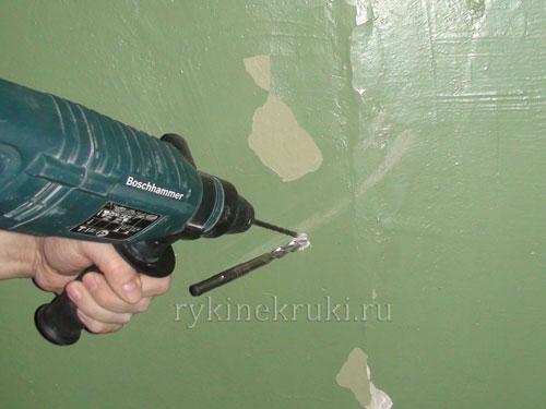 как достать сверло из стены